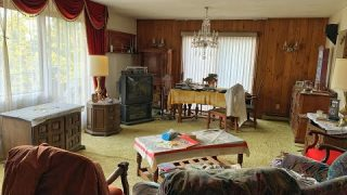 ABANDONED House – Everything Left Behind (WITH POWER) – Old Clockmakers Family Home