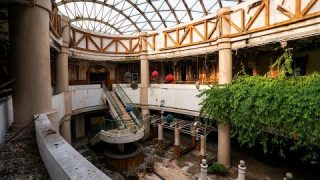 Exploring an Abandoned Chinese Resort – Untouched Decay